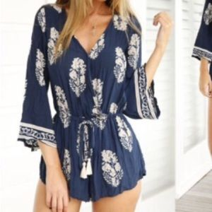 NWOT Blue and White Long Sleeve V Neck Romper L